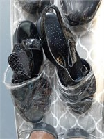 Hanging Shoe Storage w/ Women's Shoes 6.5-8