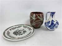 Mixed Ceramic Pottery/Plate Lot