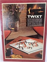 Vintage Twixt Strategy Game