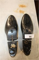 PR BLACK SHOE STRETCHERS (SZ 10-1/2)