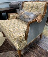 714 - BEAUTIFUL 3PC LIVING ROOM SET W/COFFEE TABLE