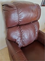 76 - BEAUTIFUL LA Z BOY RECLINING CHAIR