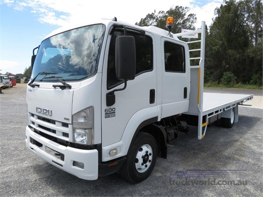 2013 Isuzu FRR 600 Crew - Trucks for Sale