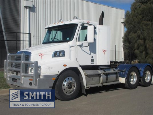 2012 Freightliner Columbia CL120 Smith Truck & Equipment Group - Trucks for Sale