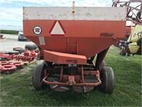 Willmar 4T Tandem Axle Fertilizer Spreader