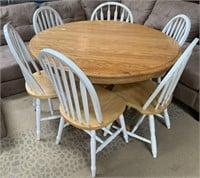335 - SOLID WOOD ROUND TABLE W/ 6 CHAIRS