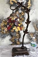 335 - BEAUTIFUL TIFFANY STYLE TABLE LAMP