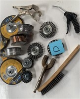 714 - LOT OF CUTTING & CLEANING TOOLS  (D)