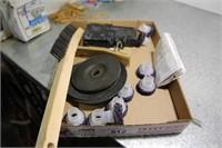 9 SCOTCH BRITE HUB CLEANING DISCS & 1 WIRE BRUSH