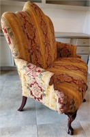31 - STUNNING VINTAGE UPHOLSTERED CHAIR