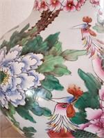 STUNNING ASIAN FLOWERS & BIRDS VASE W/WOOD BASE