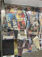 Large lot of basketball cards