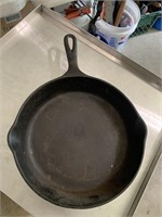 10in cast iron skillet