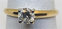 14KT YELLOW GOLD DIAMOND RING FEATURES .39CTS