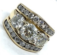 14KT YELLOW GOLD 3.31CTS DIAMOND RING FEATURES