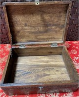 BEAUTIFUL WOODEN BOX W/METAL PAPER TACKED AROUND