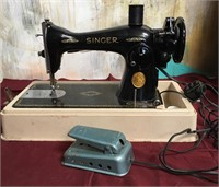 11 - VINTAGE SINGER SEWING MACHINE
