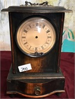 11 - QUARTZ MANTEL CLOCK - AS IS