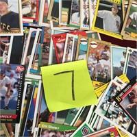 11 - LOT OF BASEBALL CARDS (7)