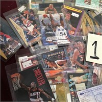 314  - LOT OF BASKETBALL CARDS (15)