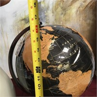 43 - NEW WMC VASE (AS IS) & BLACK/GOLD GLOBE