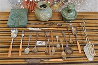 22 - MIXED LOT OF HOME DECOR - SEE PICS