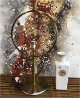 11 - BEAUTIFUL LAMP & VASE