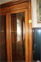 SKLAR PEPPLER GORGEOUS DISPLAY CABINET $1500 VALUE