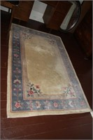 4X6 VERY PLUSH CARPET, 100% WOOL, WITH FRINGES