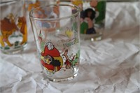 COLLECTOR'S DISNEY - 9 DRINKING GLASSES