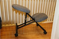 ORTHOPEDIC KNEELING CHAIR