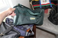 UNITED COLORS OF BENETTON BAG & MORE!