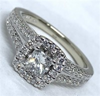14KT WHITE GOLD 1.00CTS DIAMOND RING FEATURES