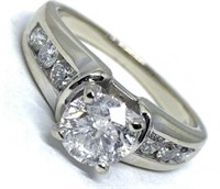 14KT WHITE GOLD 1.45CTS DIAMOND RING FEATURES