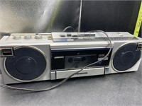 2 am/fm stereos