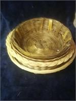 4 wicker baskets.