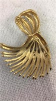 Assorted Vintage Brooches/Pins Inc Monet