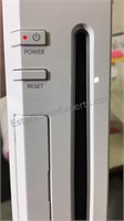 WII Game System Console w/3 Remote Control Grips