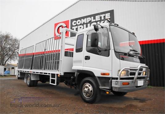 2004 Isuzu FRR525 - Trucks for Sale