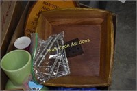 Pecan and mix nut tray with ice trays, kitchen