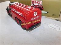 Texaco 1930 Diamond T Fuel Tanker - Die Cast Bank