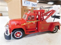 Texaco Star Enterprises - 1955 Diamond T Tow