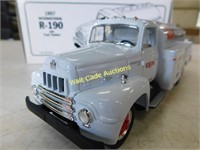 Exxon Aviation - 1957 International R-190 with