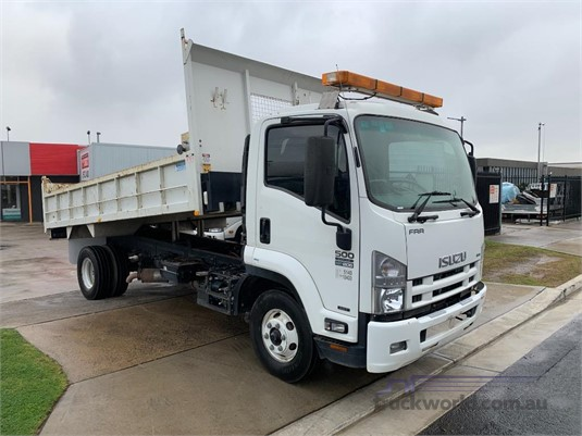 2015 Isuzu FRR 500 AMT - Trucks for Sale