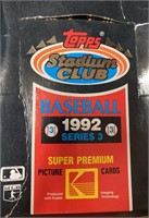 N - LOT OF 4 BOXES OF BASEBALL CARDS (U)