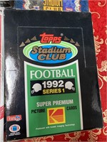 LOT OF 4 BOXES OF COLLECTABLE FOOTBALL CARDS (I)