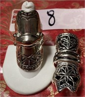11 - LOT OF 2 CUSTOM KNUCKLE RIGNS (8)