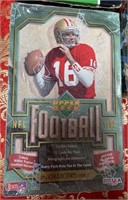 N - LOT OF 5 BOXES OF FOOTBALL COLLECTOR CARDS (K)