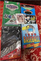 N - LOT OF 4 BOXES OF BASEBALL CARDS (Q)