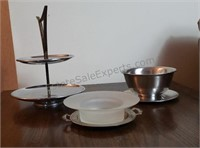 Silver-tone Organizer Trays and bowls